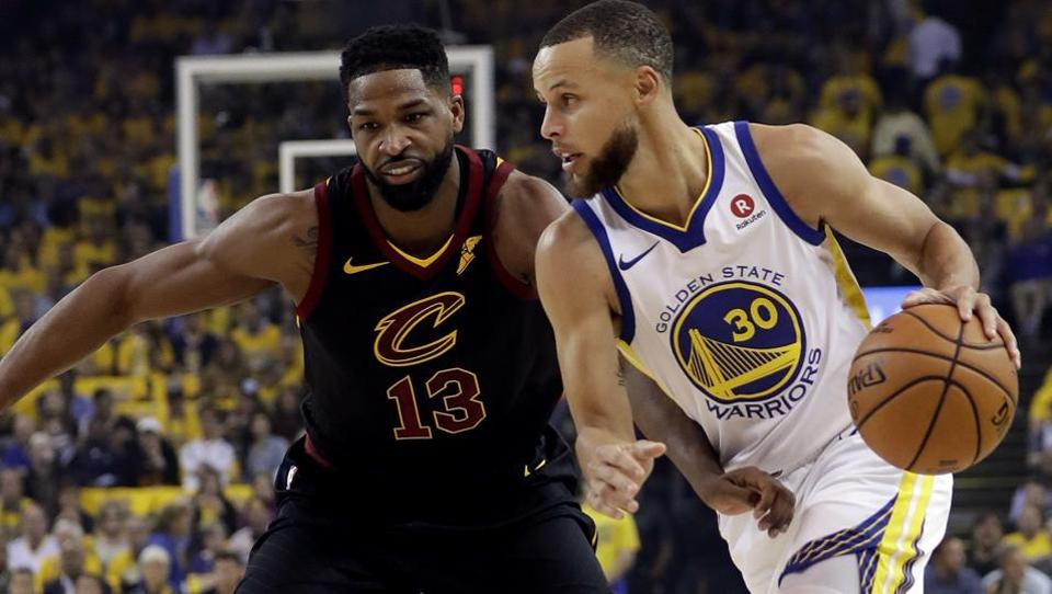 Stephen Curry tegen Tiistan Thompson