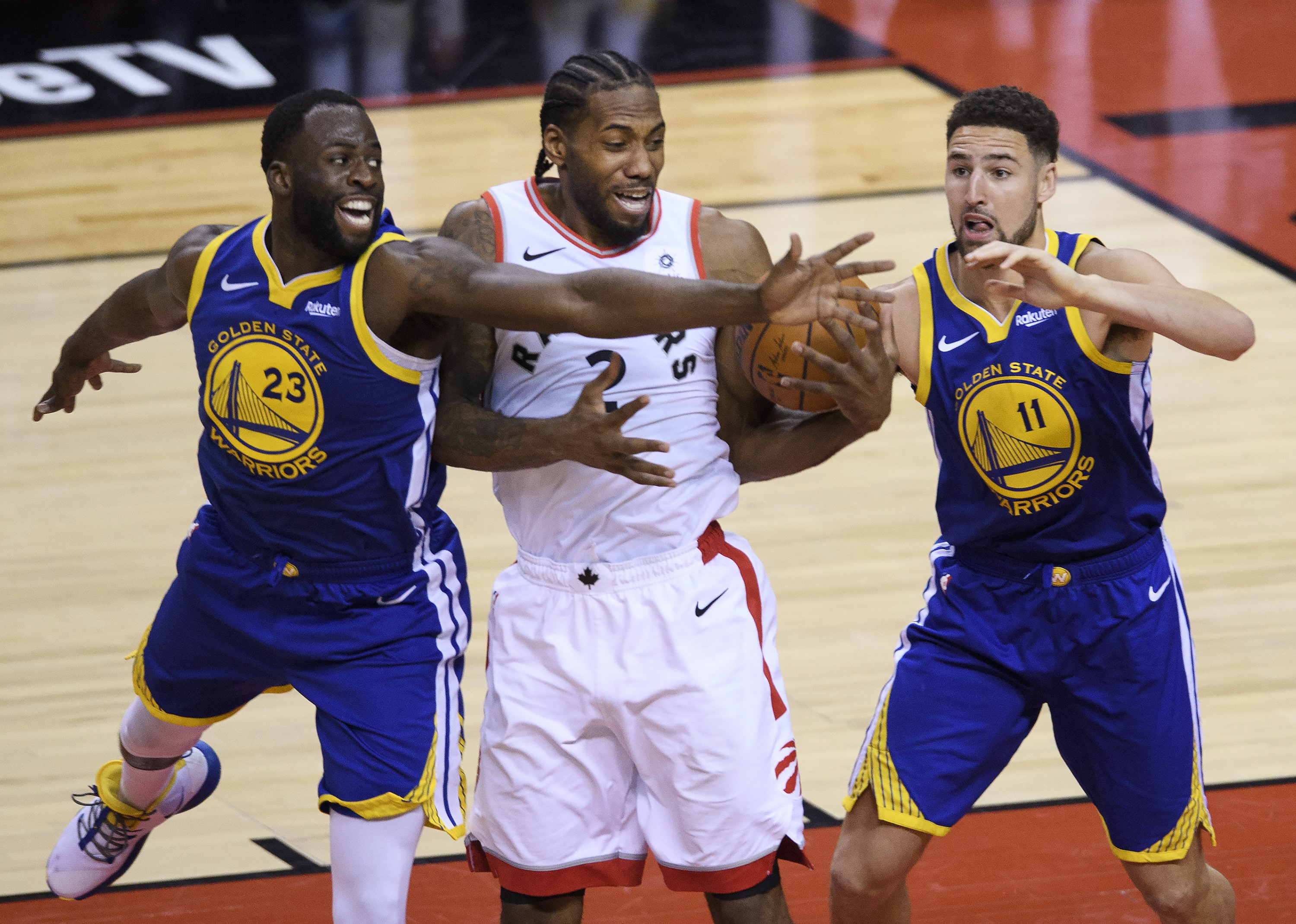 Kawhi in duel met Thompson en Green